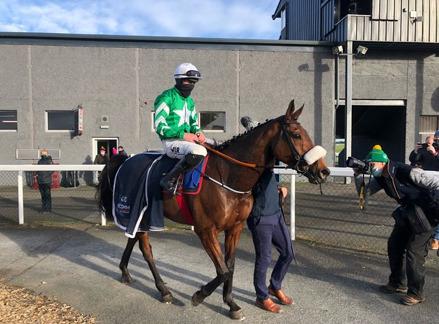Presenting Percy returned to winning ways at Thurles