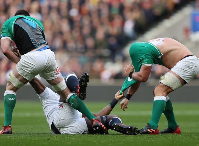 England face a fight to the end to beat Ireland, according to defence coach John Mitchell.