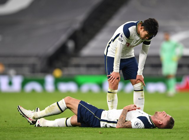 <p>Alderweireld went down during Spurs' win over Manchester City on Saturday</p>