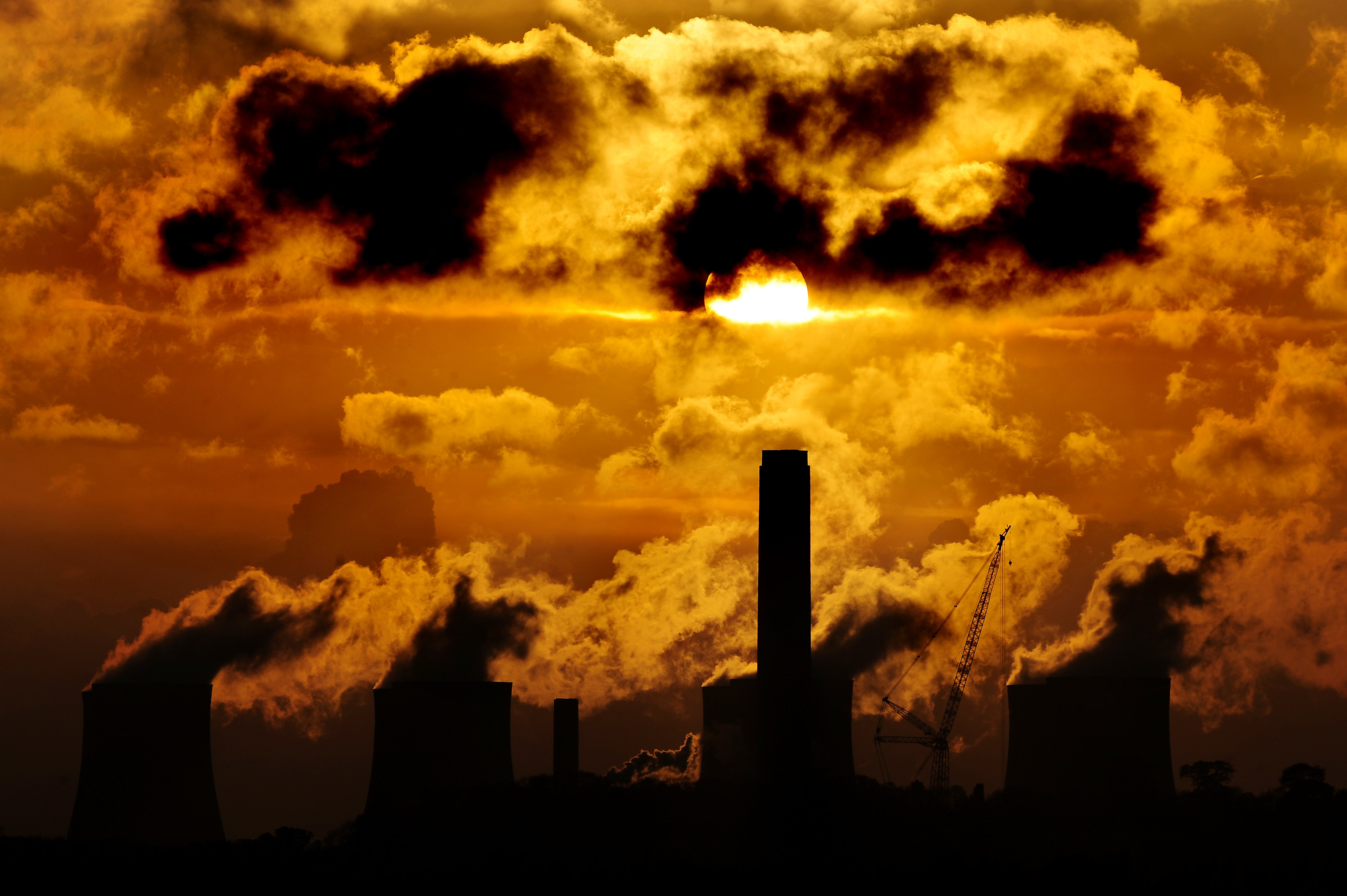 Levels of carbon dioxide at record highs despite lockdown, experts warn