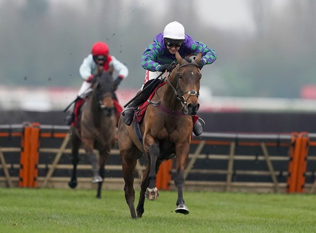 Thyme Hill and Richard Johnson landed the Long Distance Hurdle