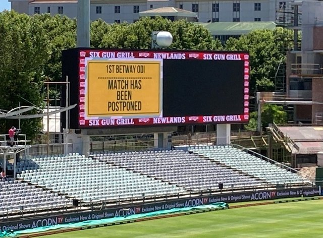 The Newlands scoreboard confirms the game is off.