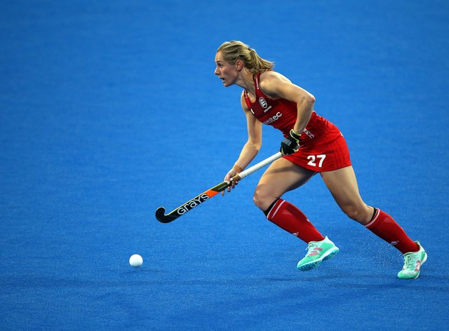 <p>Jo Hunter says more women players need to 'ask for more money where it's available'&nbsp;</p>