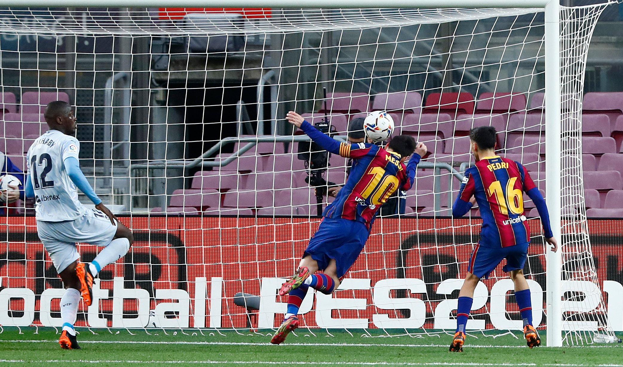Lionel Messi equals Peles single-club scoring record as