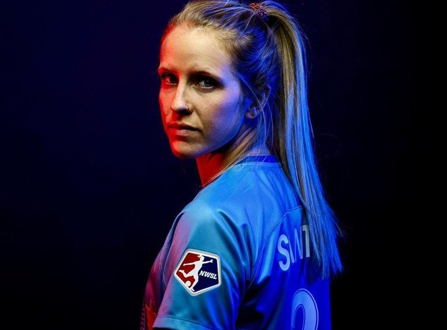 <p>Nikki Stanton returns to Chicago Red Stars</p>
