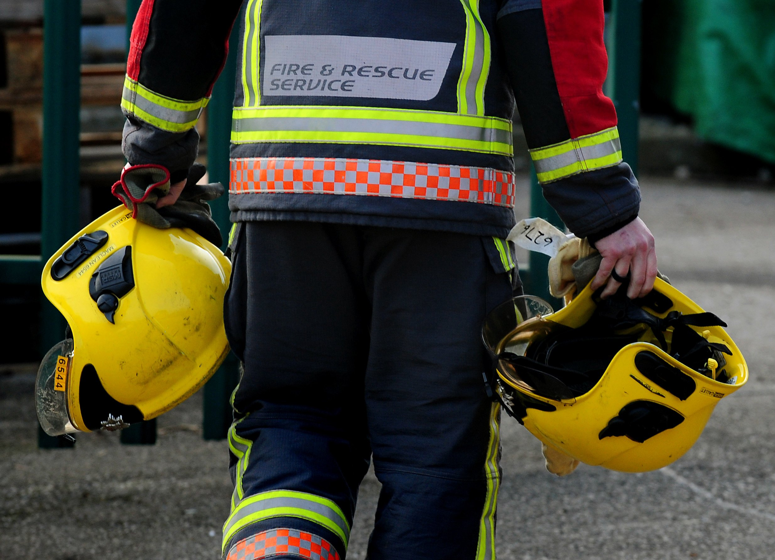 Firefighters' pandemic response 'limited and delayed' amid health and safety row