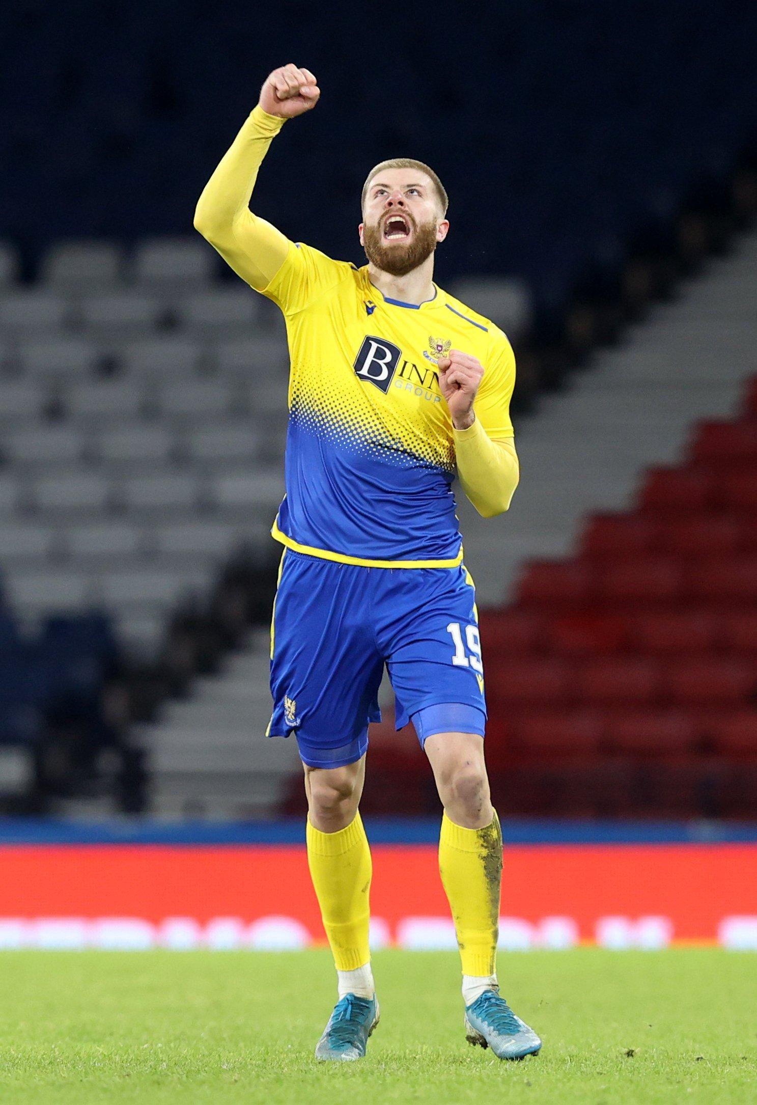 St Johnstone hammer Hibernian to reach Betfred Cup final