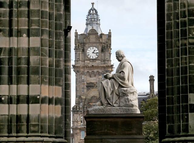 Sir Walter Scott statue