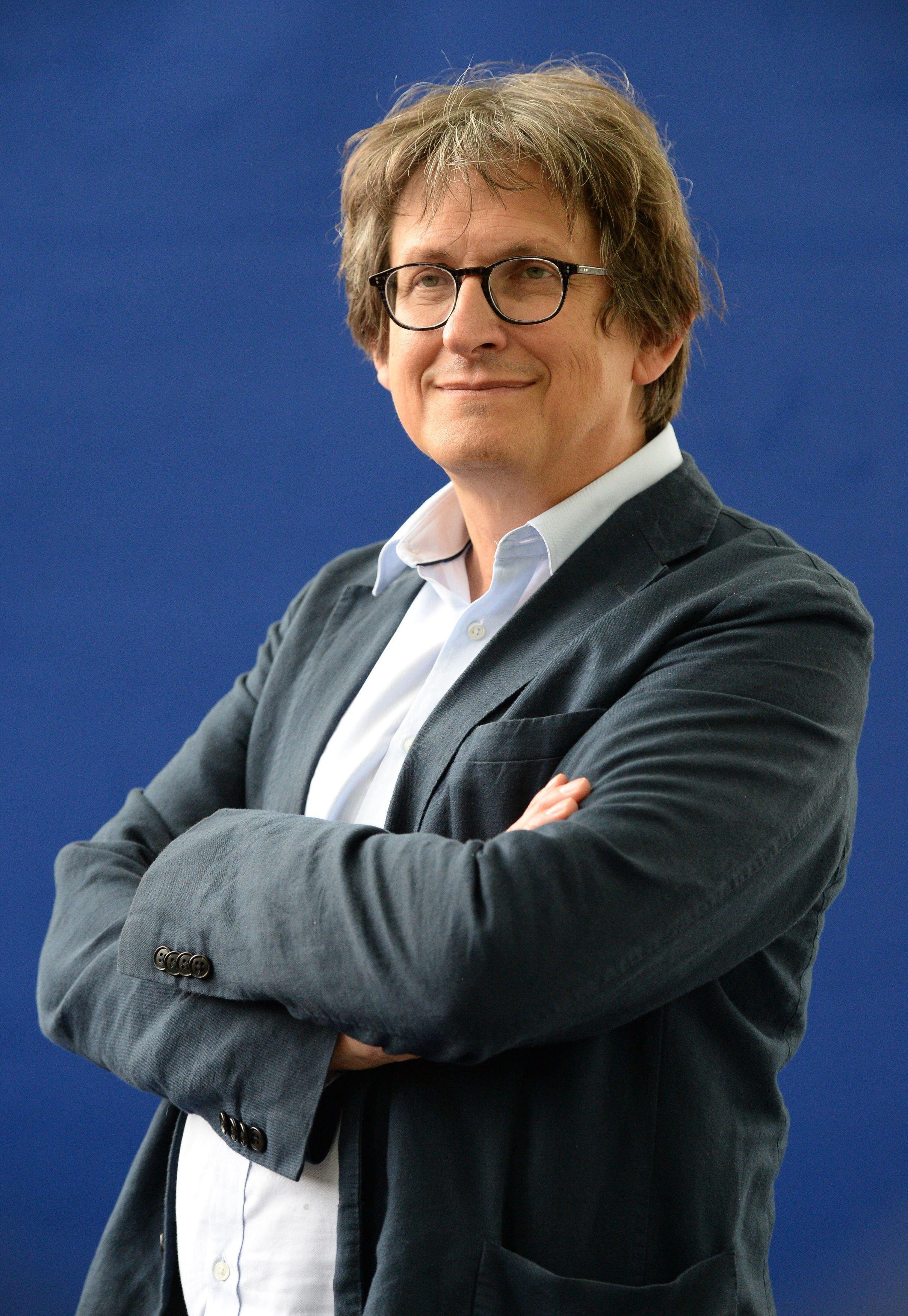 Former Guardian editor steps down from Irish media ...