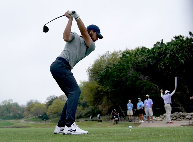 Tommy Fleetwood was the first to progress into the quarter-finals of the WGC-Dell Technologies Match Play