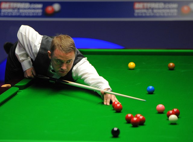 Stephen Hendry's comeback juddered to a halt in Sheffield
