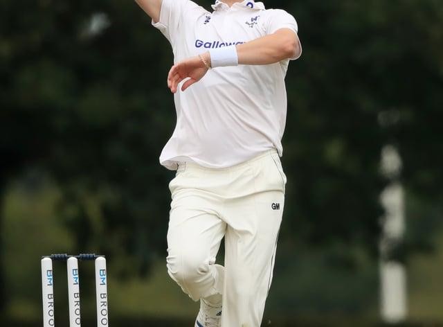 Ollie Robinson bowling