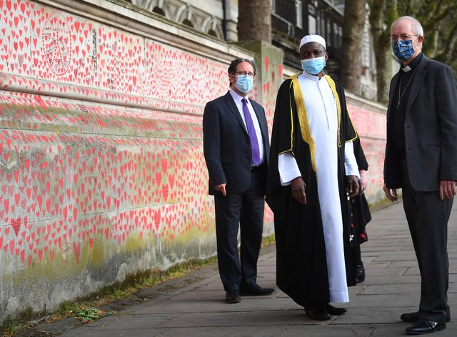(l to r) Rabbi Daniel Epstein, Imam Kazeem Fatai and The Archbishop of Canterbury Justin Welby visit the wall