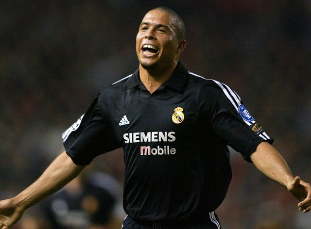 Ronaldo scored a memorable hat-trick for Real Madrid against Manchester United on this day in 200