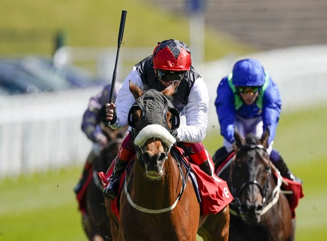 Frankie Dettori riding Falcon Eight wins the Chester Cup