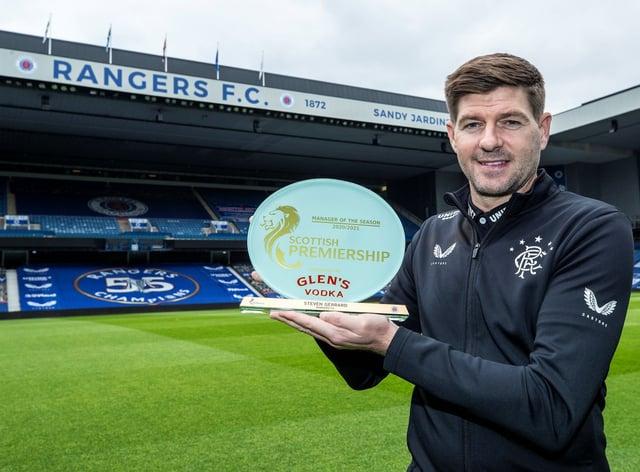 Rangers manager Steven Gerrard has won the SPFL's Glen's Manager of the Season award