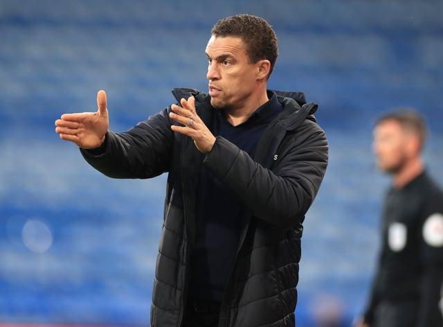 Barnsley head coach Valerien Ismael on the touchline