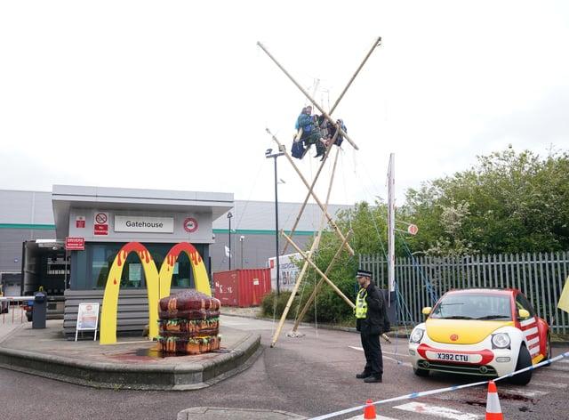 Animal Rebellion blockade McDonalds distribution sites