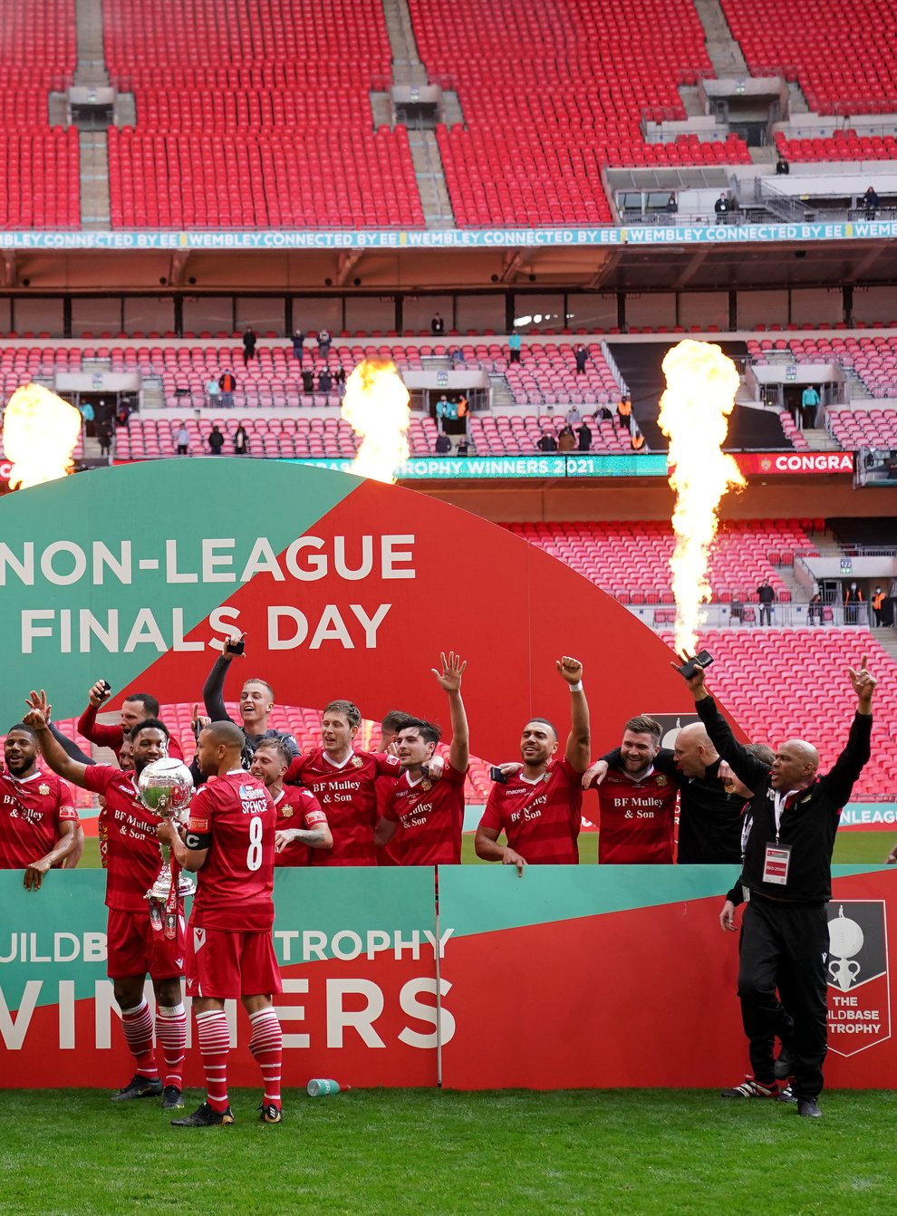 Hornchurch players and staff celebrated after winning the FA Trophy