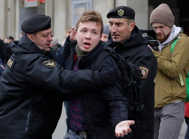 Belarus police detain journalist Roman Protasevich