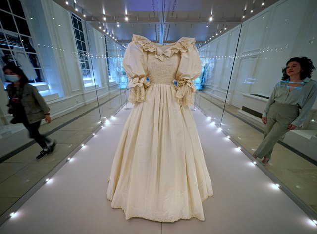 Royal Style in the Making exhibition – London