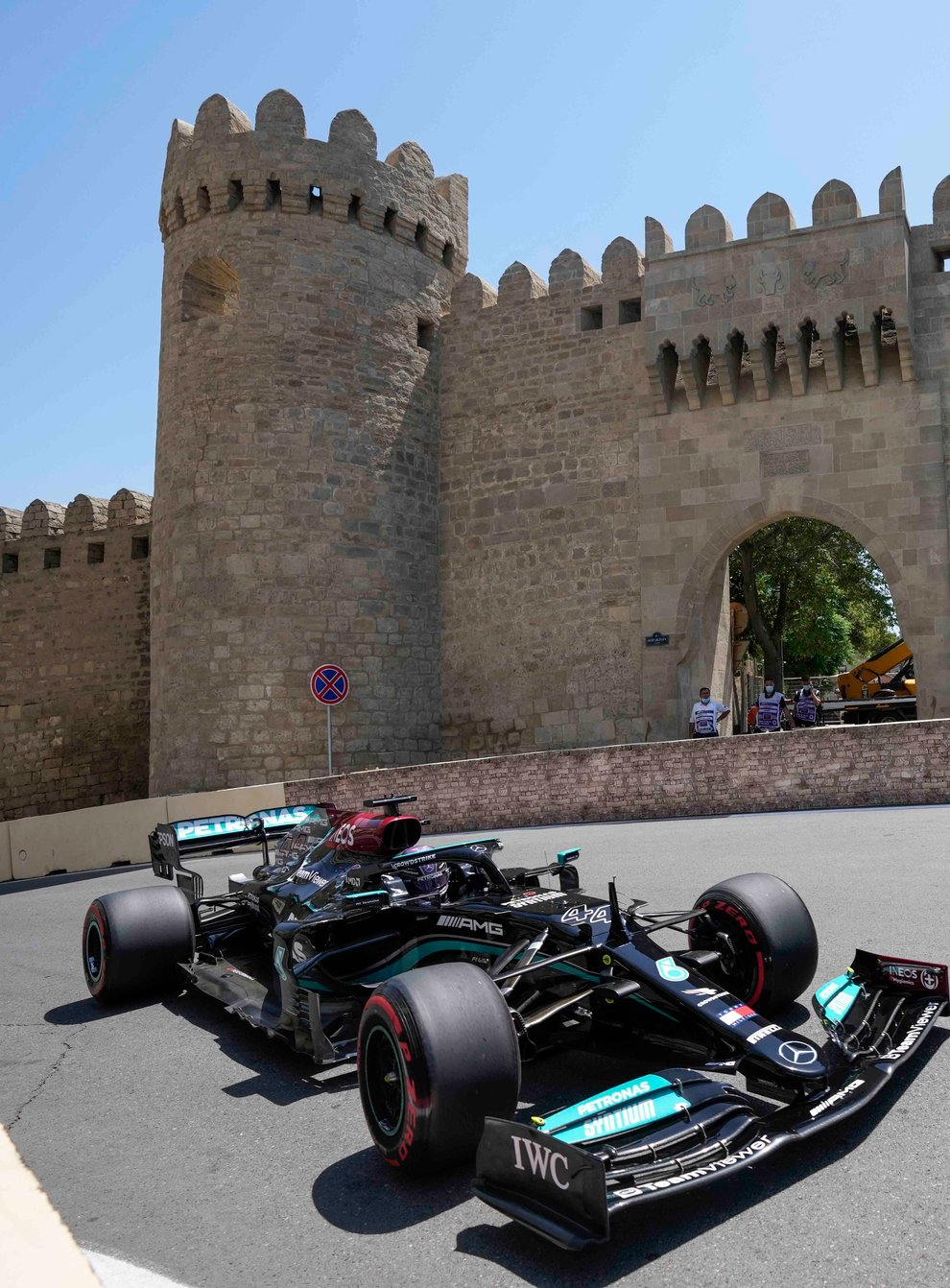 Lewis Hamilton finished only 11th in Azerbaijan on Friday