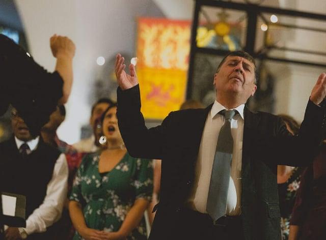 Kurdish singer Nawroz Oramari performs with the Citizens of the World choir