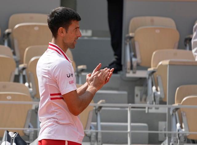Novak Djokovic applauded Lorenzo Musetti off court