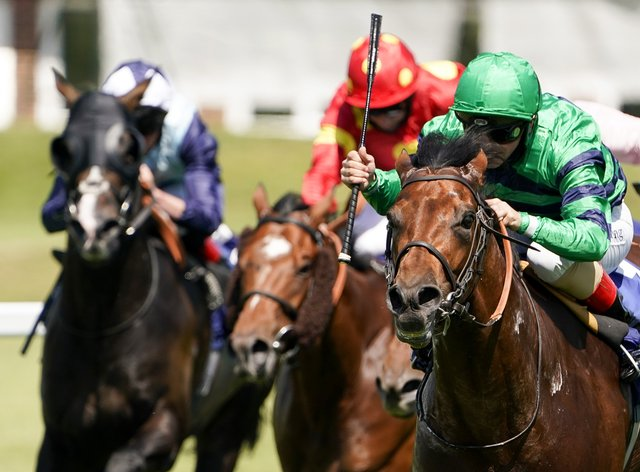 Atalis Bay (right) made all in the Scurry Stakes at Sandown Park