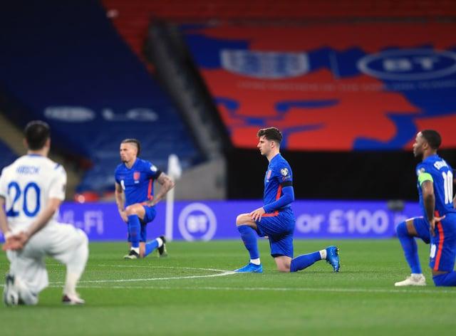 England take the knee ahead of a match