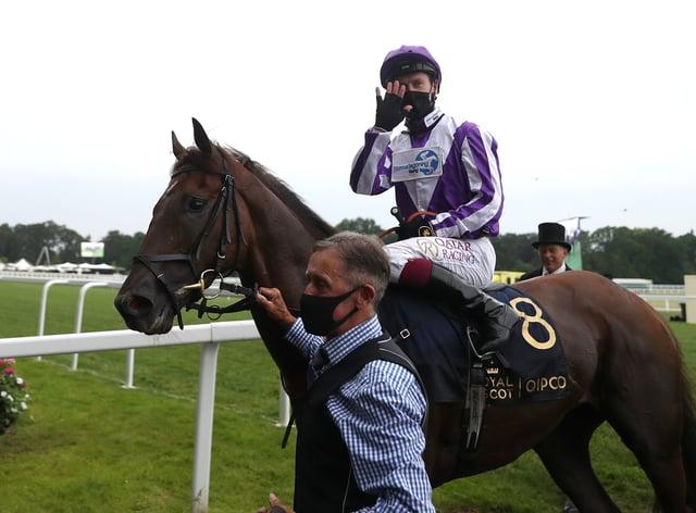 Oisin Murphy riding Perotto