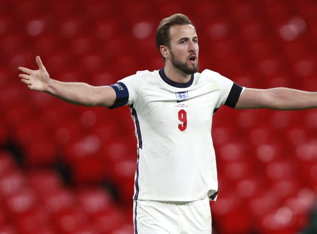 """Harry Kane says winning trophies with England is the """"ultimate goal"""""""
