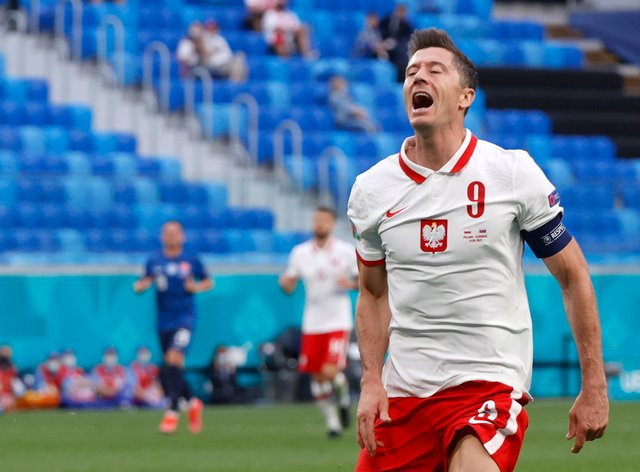 Spain will attempt to stop Poland's Robert Lewandowski as they look for a first win at the Euro 2020 finals