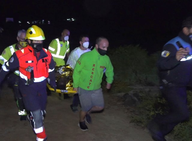 Migrant's body brought ashore