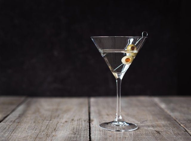 <p>martini (Alamy/PA)</p>