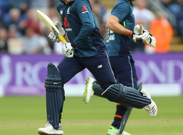 Jos Buttler, right, and Jason Roy