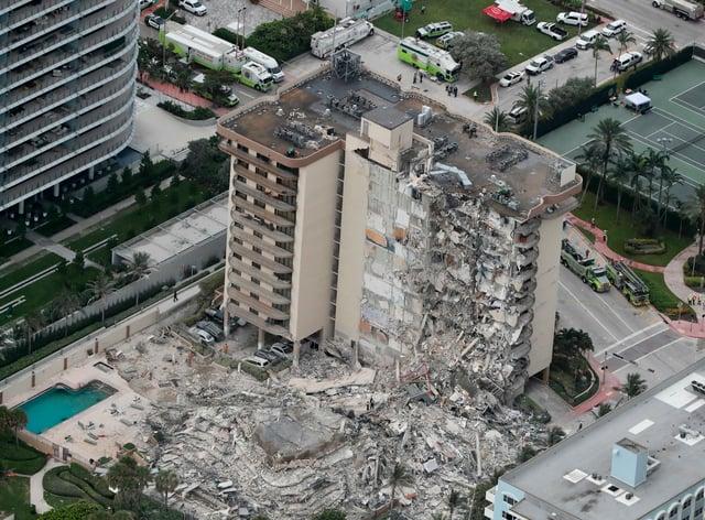 Collapsed building in Miami
