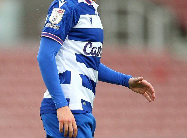 Tom McIntyre has put pen to paper on a new three-year deal at Reading