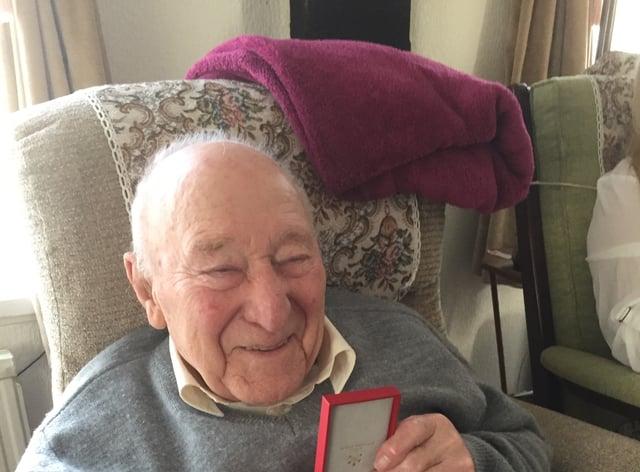 Ernie Aylott with his French Legion d'Honneur medal