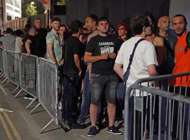 Nightclub queue