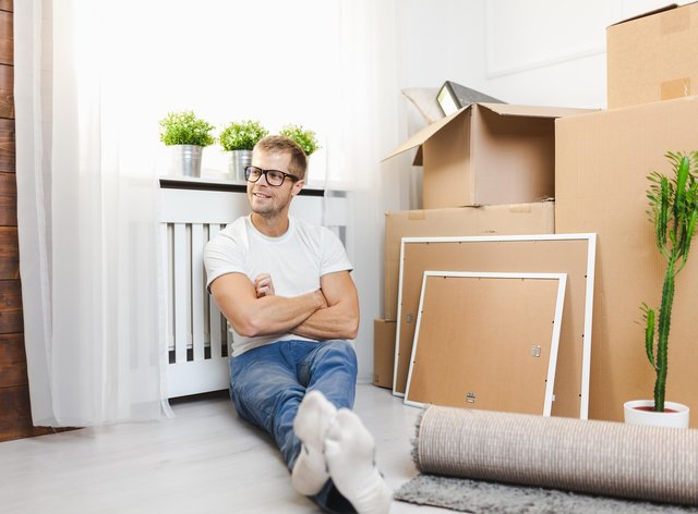 How to save money when moving house (Alamy/PA)