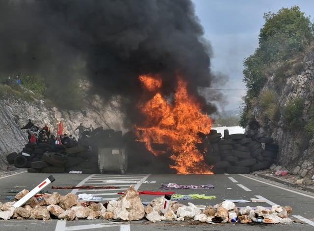 Protesters at one of the blockades near Cetinje (Risto Bozovic/AP)