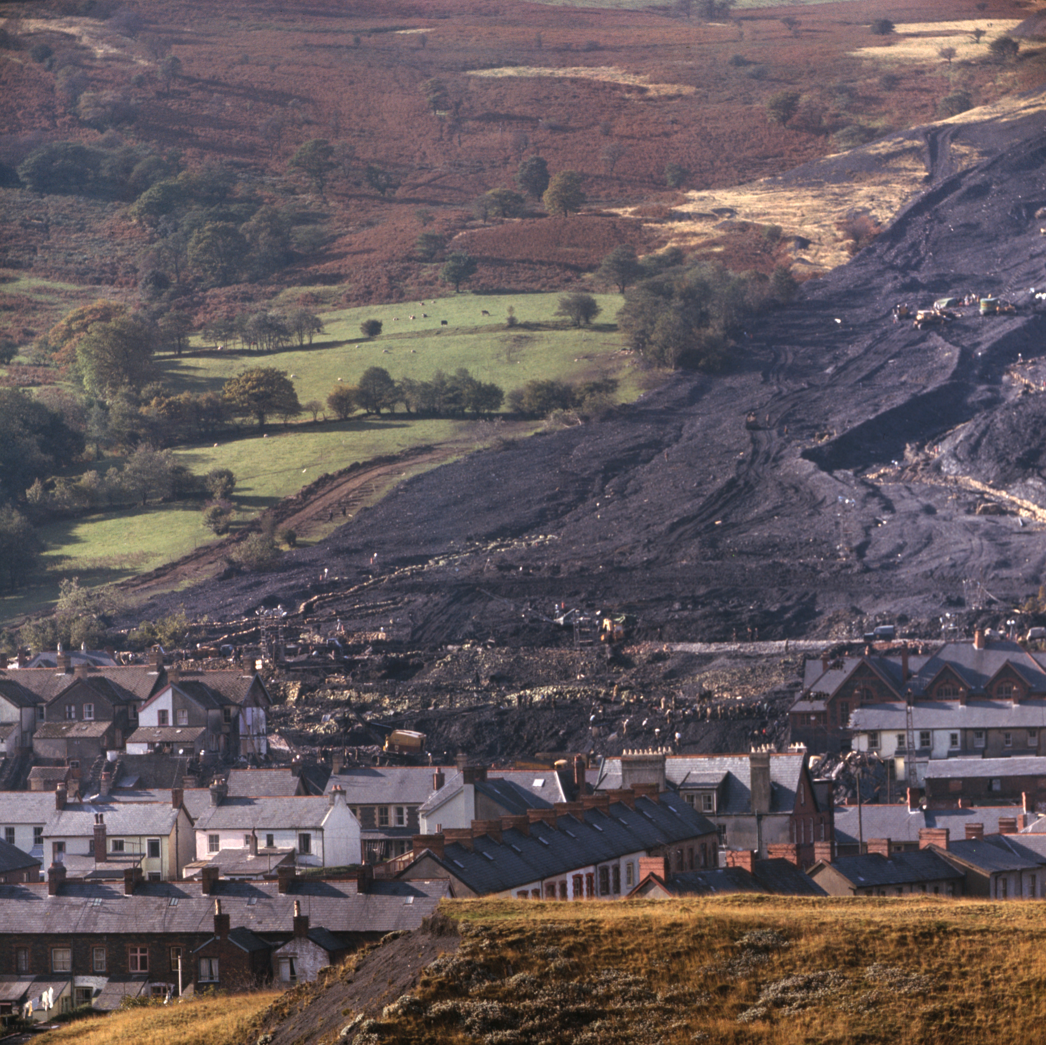 newschainonline.com - The Newsroom - UK Government urged to help secure Wales's coal tips to avoid future disasters